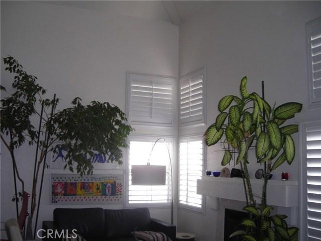390 Via Lugano, Corona CA: http://media.crmls.org/medias/9b2d6ef4-0169-4766-96b7-aaf8f8985181.jpg