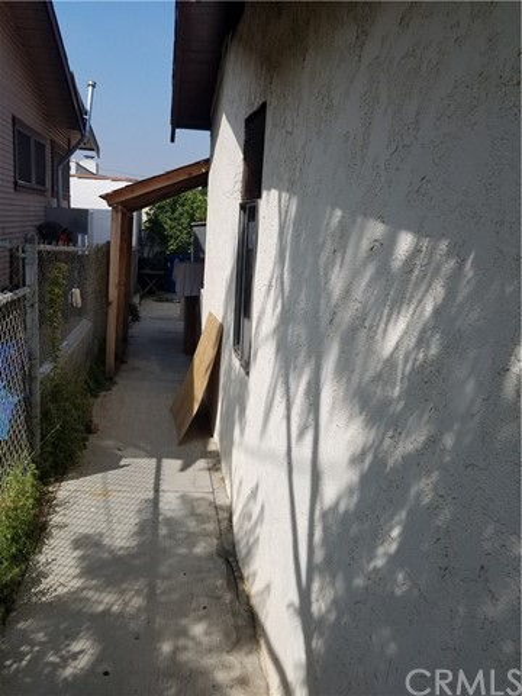 2626 W Avenue 34, Glassell Park CA: http://media.crmls.org/medias/9b2f3fe8-70d0-4d69-bd83-609a615dbacb.jpg