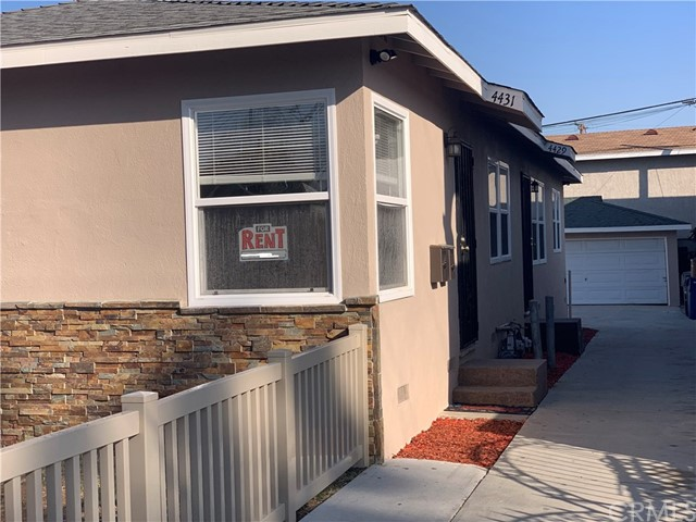 4431 163rd, Lawndale, California 90260, 2 Bedrooms Bedrooms, ,1 BathroomBathrooms,Duplex,For Lease,163rd,SB19243157