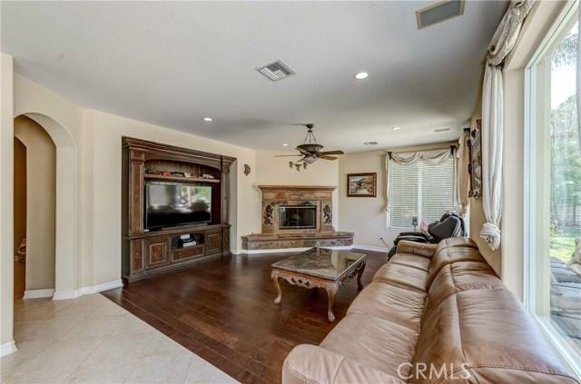 685 Noble Rd., Simi Valley CA: http://media.crmls.org/medias/9b3b747d-4f8a-4616-b052-67cb63c53113.jpg