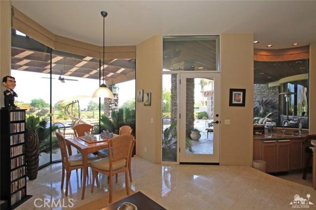 428 Morning Dove, Palm Desert CA: http://media.crmls.org/medias/9b5586fb-607c-4924-bcd1-3a590508e26a.jpg