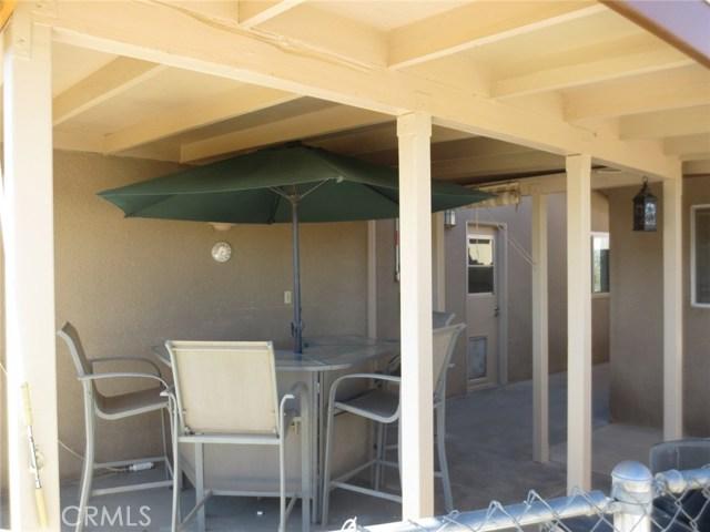 59510 Sunflower Drive, Yucca Valley CA: http://media.crmls.org/medias/9b5a7e3d-8d88-4a3c-8248-c7767b0303da.jpg