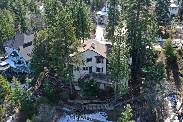 283 Fairway Drive, Lake Arrowhead CA: http://media.crmls.org/medias/9b6259e4-3747-4b25-809d-8755845551c6.jpg
