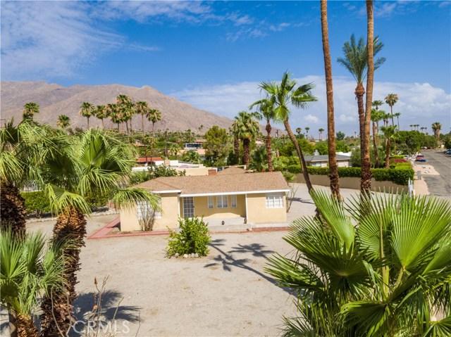 2107 N Vista Grande Avenue, Palm Springs CA: http://media.crmls.org/medias/9b7820b6-e85a-428d-8784-6125cfd959ad.jpg