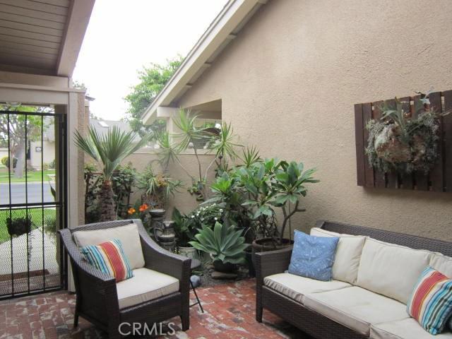 8856 Sutter Circle Unit 525D Huntington Beach, CA 92646 - MLS #: OC18182913