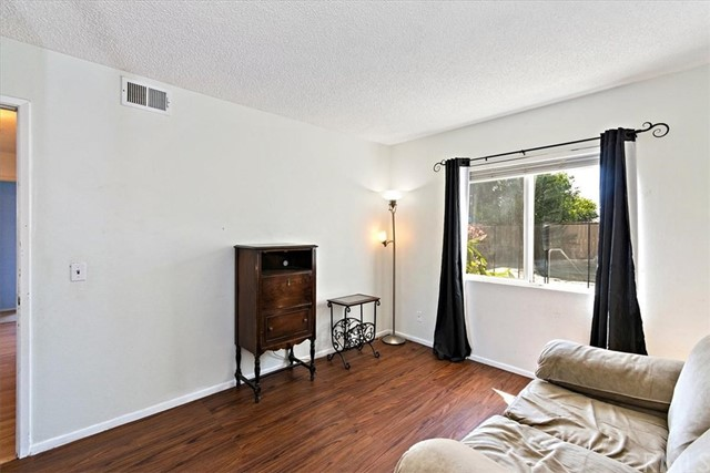1465 Fernando Avenue, Upland CA: http://media.crmls.org/medias/9b85dceb-3e65-4f43-8c81-2f6ab50e085b.jpg