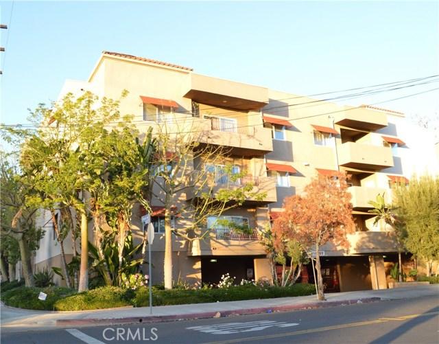 Condominium for Sale at 9610 Zelzah Avenue Unit 301 9610 Zelzah Avenue Northridge, California 91325 United States