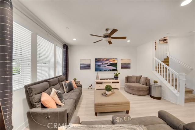 124 S Auburn Heights Lane, Anaheim Hills CA: http://media.crmls.org/medias/9b909085-fda4-4223-bb45-691e98c43427.jpg