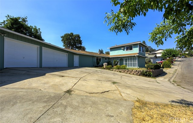 655 14th Street, Lakeport CA: http://media.crmls.org/medias/9b9ef63d-9e93-4317-84c2-58248400c957.jpg