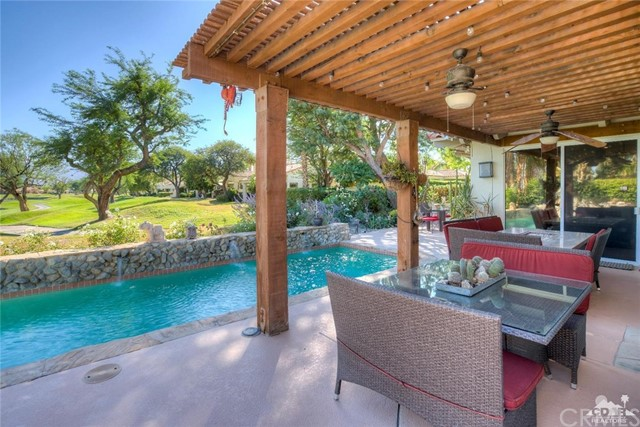 54015 Southern Hills, La Quinta CA: http://media.crmls.org/medias/9ba13ff6-9f6d-46a2-b3aa-ba894d14392a.jpg