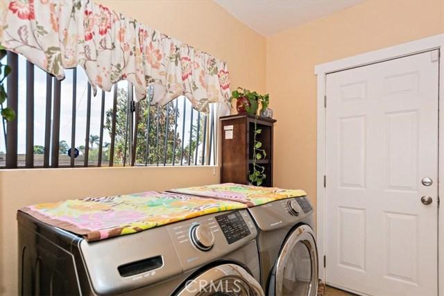 3878 Skofstad Street, Riverside CA: http://media.crmls.org/medias/9baca8af-049b-4eea-b972-70a76a1e2a80.jpg