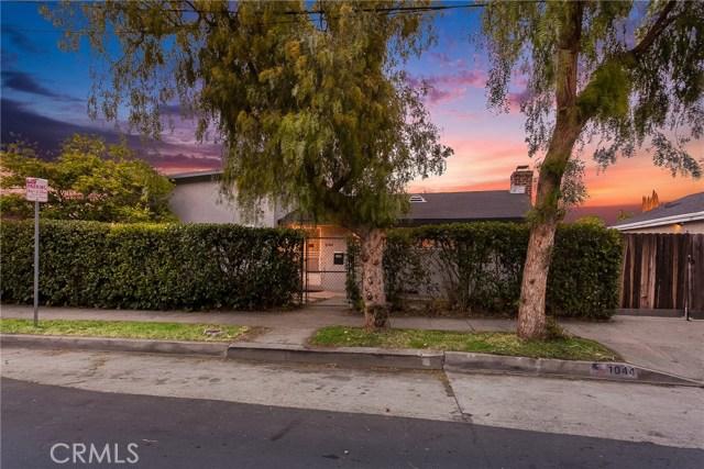 1044 N Avenue 50, Los Angeles CA: http://media.crmls.org/medias/9bb3ee8d-56b8-414f-adcc-55aa1b8f5ed6.jpg