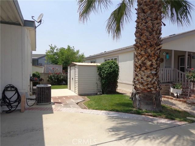1251 E Lugonia Avenue, Redlands CA: http://media.crmls.org/medias/9bb4a12f-8758-4baf-ba2c-c5a172acdb81.jpg