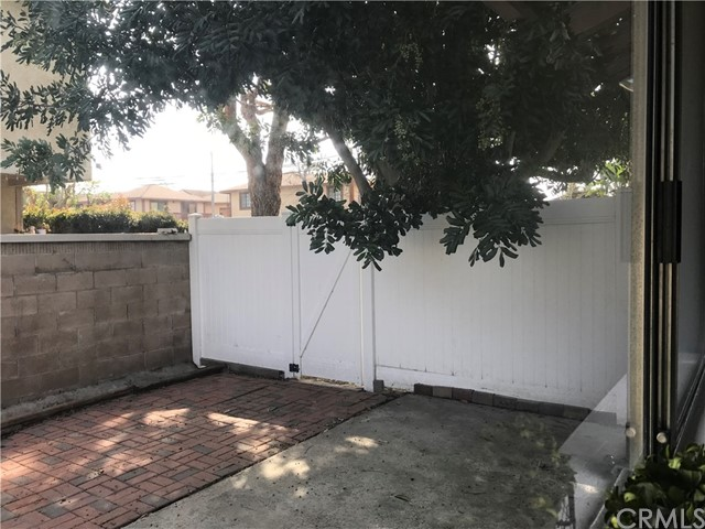 3551 W Savanna St, Anaheim, CA 92804 Photo 4