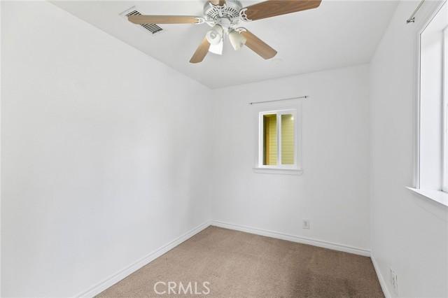324 W Kendall Street, Corona CA: http://media.crmls.org/medias/9bc10ae8-4736-4410-bb2c-f6bc1cb6776d.jpg