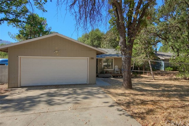 Detail Gallery Image 1 of 19 For 40866 Griffin Dr, Oakhurst, CA 93644 - 3 Beds | 2 Baths