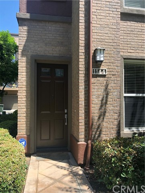 1144 Chaffee Street, Fullerton CA: http://media.crmls.org/medias/9bca36de-97b8-4414-b255-3374a87d3cfa.jpg