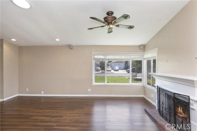 805 Cottonwood Street, Corona CA: http://media.crmls.org/medias/9be8dca7-b281-4dba-b019-6b07b40453e4.jpg