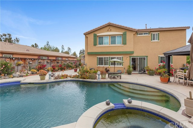 45002 Thalia Lane, Lake Elsinore CA: http://media.crmls.org/medias/9bed1853-9388-4961-af32-56ed364923c0.jpg