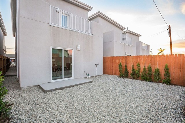 2467 Santa Ana, Los Angeles, CA 90059 Photo 23