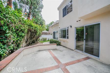 8 Laconia, Irvine CA: http://media.crmls.org/medias/9c041324-1669-4c30-8bf4-278ff01612a7.jpg