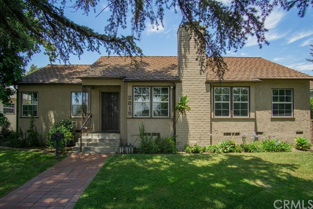 Detail Gallery Image 1 of 40 For 2815 Huntington Dr, San Marino, CA 91108 - 3 Beds | 2 Baths