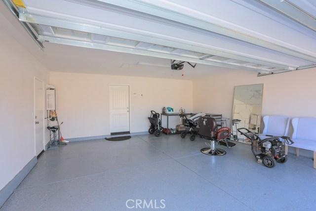 7363 Saddlewood Drive, Fontana CA: http://media.crmls.org/medias/9c2cafd4-8102-4719-ba62-63fb609e6fc2.jpg
