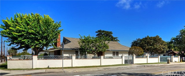 Single Family Home for Sale at 302 22nd St Costa Mesa, California 92627 United States