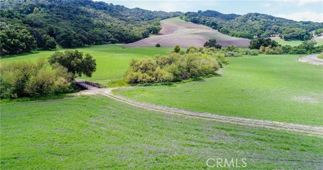 8225 Vineyard Drive, Paso Robles CA: http://media.crmls.org/medias/9c414c06-e15b-4f9a-8edd-3035675bfd25.jpg
