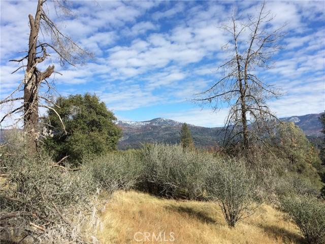 4907 Stumpfield Mountain Road, Mariposa CA: http://media.crmls.org/medias/9c4e4a86-c3e7-4ecd-a4c1-0bb8b33fb94c.jpg