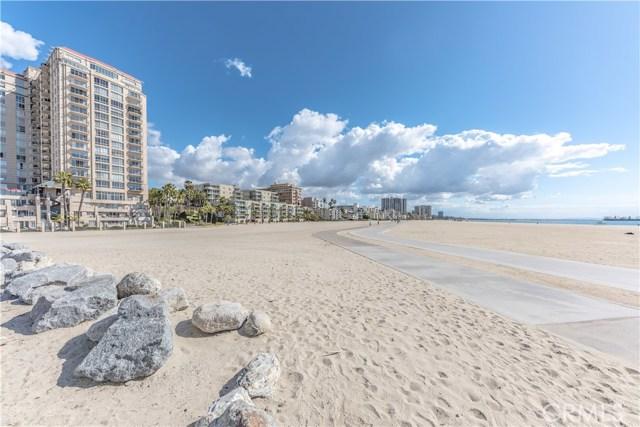 4514 E De Ora Way, Long Beach CA: http://media.crmls.org/medias/9c4e91c0-8834-4976-8144-190fb964c3ff.jpg