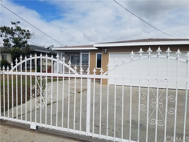 Single Family Home for Rent at 4049 111th Street W Inglewood, California 90304 United States