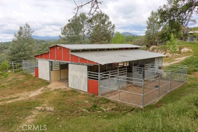31434 Wyle Ranch Road, North Fork CA: http://media.crmls.org/medias/9c6a4c9a-70b6-4b5f-8874-a591485f1c47.jpg