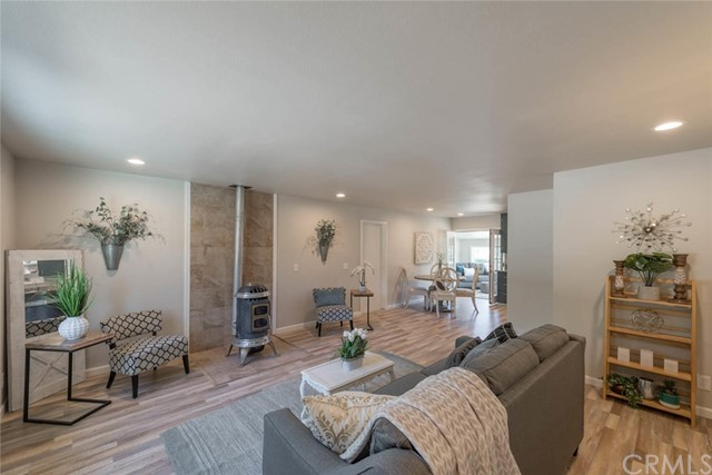 Detail Gallery Image 1 of 1 For 522 Digger Pine Ln, Paradise, CA 95969 - 2 Beds   1 Baths
