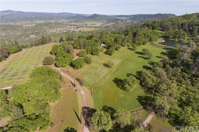 12220 Perini Road, Lower Lake CA: http://media.crmls.org/medias/9c9a7781-f643-49a6-b38d-140672761a73.jpg