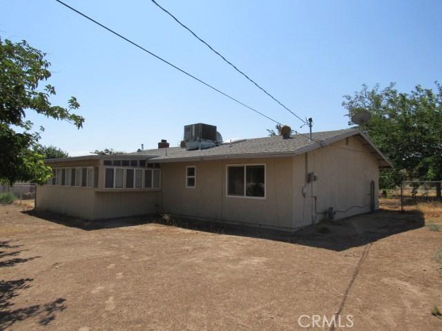 14708 Mojave Street, Hesperia CA: http://media.crmls.org/medias/9ca3ad34-2611-4ff0-b4e2-def8a9cc69a3.jpg