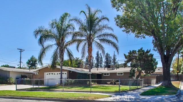 8944 Haskell Street, Riverside CA: http://media.crmls.org/medias/9caf7855-3f72-4565-b3b1-8031c3a8d3ee.jpg