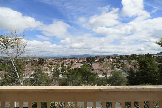 44926 Camino Veste, Temecula CA: http://media.crmls.org/medias/9cbab5f4-26f7-43b9-b2b3-107bc435d7a5.jpg