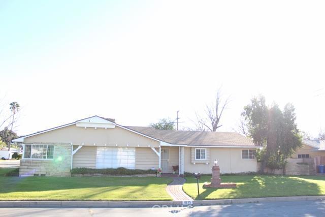 1075 North Pine Avenue, Rialto CA 92376
