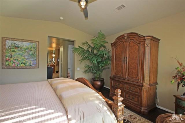 46180 Cypress Estates Court, Palm Desert CA: http://media.crmls.org/medias/9cc49d20-bd44-44dc-a081-637895ce03b1.jpg
