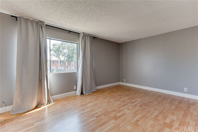 4515 California Avenue, Long Beach CA: http://media.crmls.org/medias/9ccb03c3-4fa1-4652-b657-e685ea3c8a5b.jpg