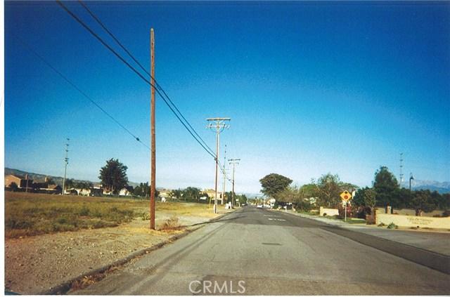 Single Family for Sale at 2100 Nice Avenue Mentone, California United States