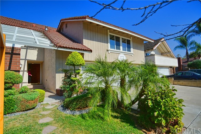 独户住宅 为 销售 在 16702 Yvette Way Cerritos, 加利福尼亚州 90703 美国