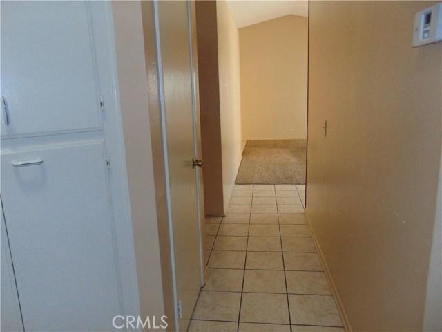 14398 Birchwood Drive, Hesperia CA: http://media.crmls.org/medias/9cfeb69d-f3f7-41f1-8b31-586f8ec45270.jpg