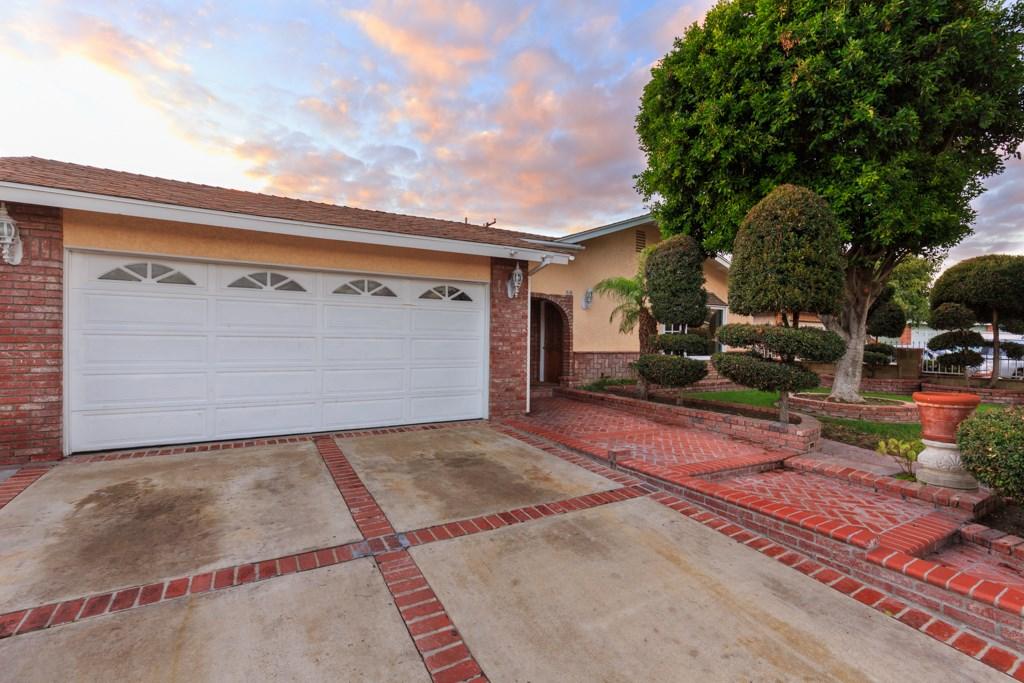 Single Family Home for Rent at 510 Glenarbor Street S Santa Ana, California 92704 United States