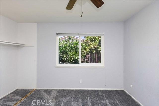 6445 Foster Drive, Riverside CA: http://media.crmls.org/medias/9d08beef-b25e-46e6-b5bb-646bea3bf3bb.jpg