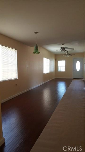 12813 S Harris Avenue, Compton CA: http://media.crmls.org/medias/9d0b05ef-0ded-4677-aba6-61c088a812d1.jpg