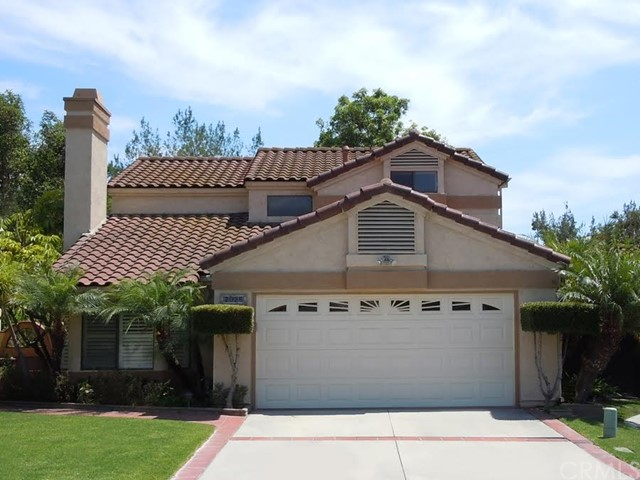 2028  West Compass Lane   , CA 92801 is listed for sale as MLS Listing PW15143192