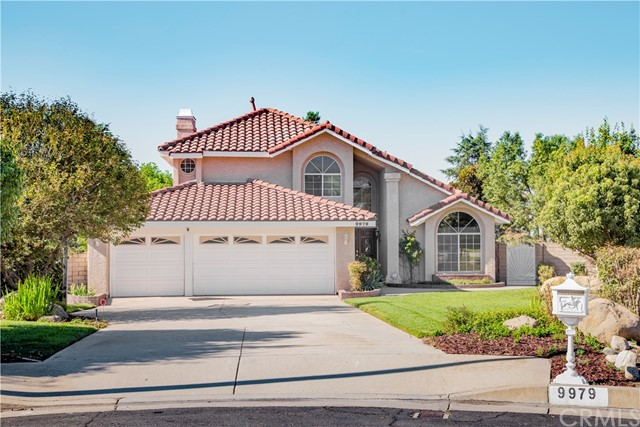 Casa Unifamiliar por un Venta en 9979 Timbermist Court Alta Loma, California 91737 Estados Unidos