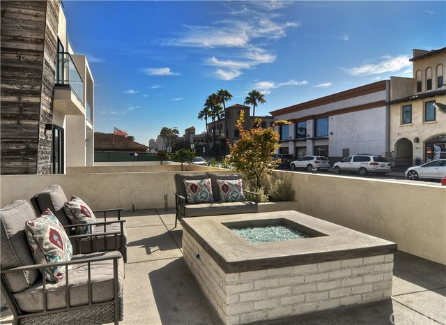 9d33581c-da97-41ef-87cf-93a8a1199340 312 3rd Street, Huntington Beach, CA 92648 <span style='background-color:transparent;padding:0px;'><small><i> </i></small></span>